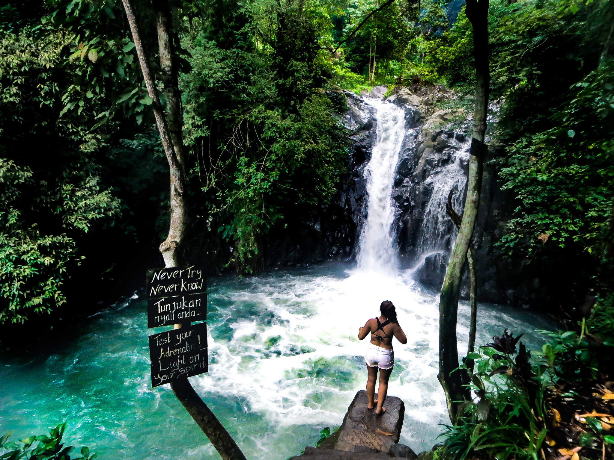 Aling-Aling: blue water on the Bali travel route