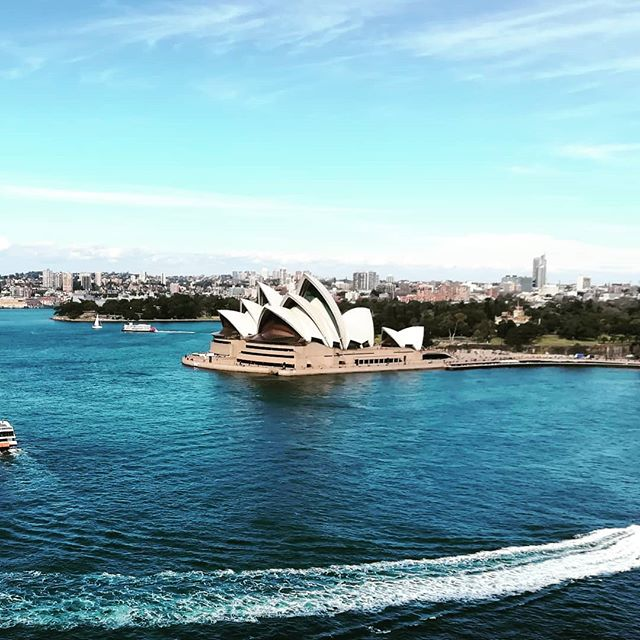 In love with the Sydney views 💕✨ #australia#sydney#operahouse#harbour#water#view#viewpoint#travel#cityviews#city#love#travel#travelawesome#b