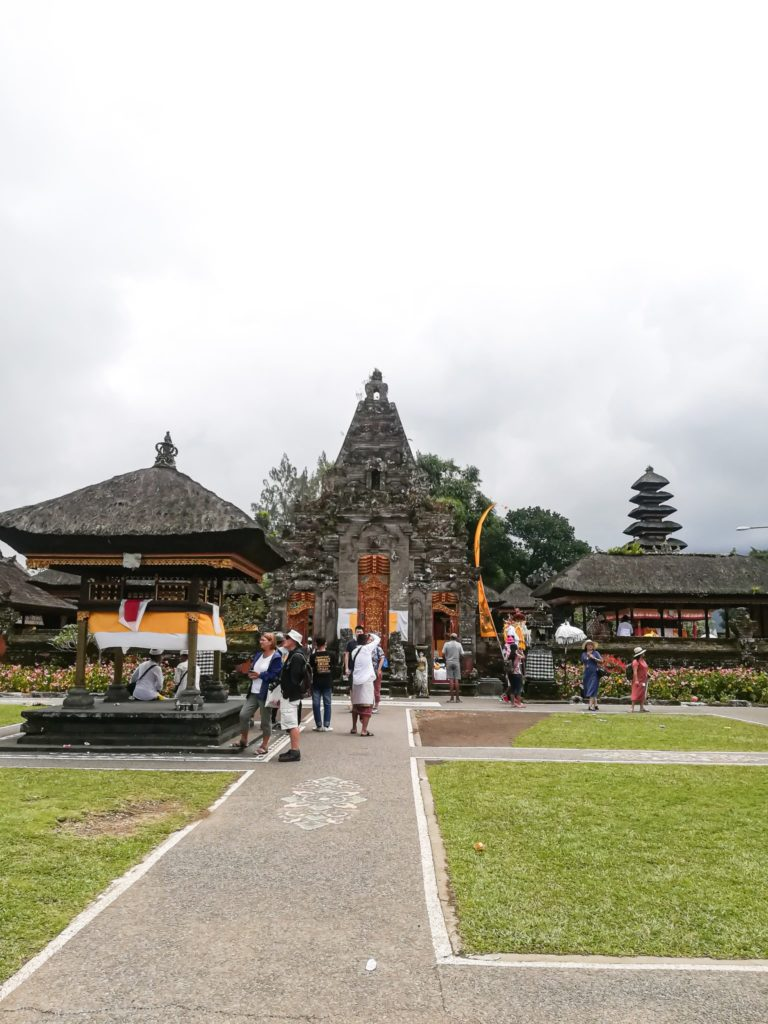 Bratan Temple: interesting place on the Bali travel route