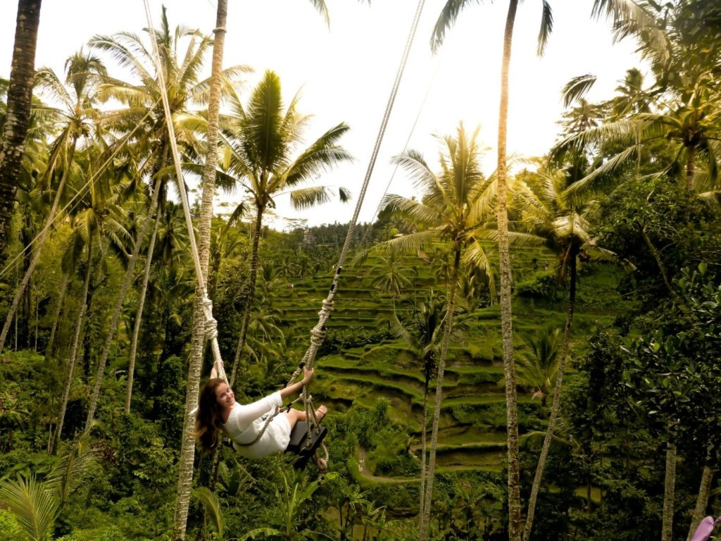 swings on the Bali travel route