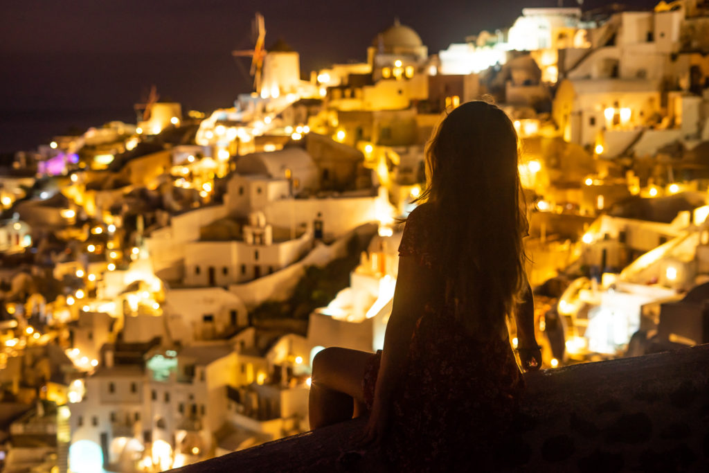 Things to do in Santorini: sunset in Oia