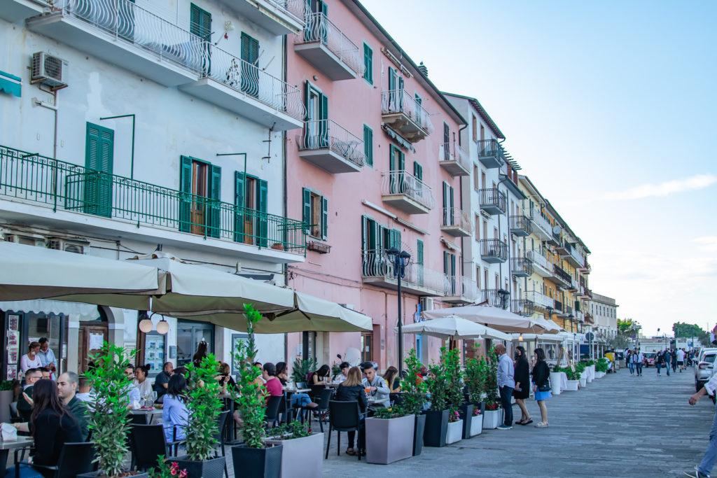 tuscany travel guide: porto santo stefano restaurants and bars