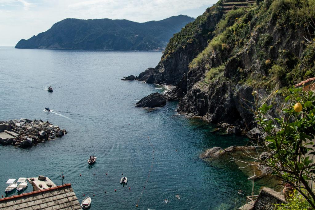 cinque terre italy: ocean views on the corniglia to vernazza hike