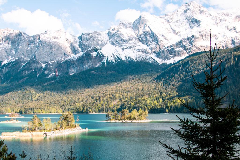 best things to do in bavaria: hike around Lake Eibsee