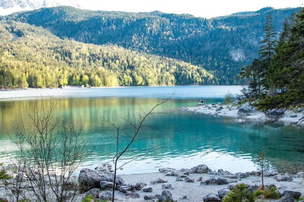 travel guide to Garmisch-Partenkirchen: Eibsee in the evening
