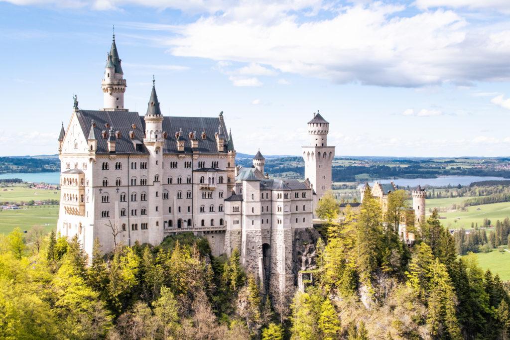 travel guide to Garmsich-Partenkirchen: Neuschwanstein castle from Marienbruecke